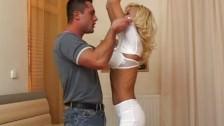 Blonde Porno Nutte aus Osteuropa bekommt Sperma